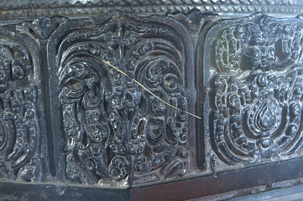 Very Fine Sculpting on a pillar at Thousand Pillar Temple