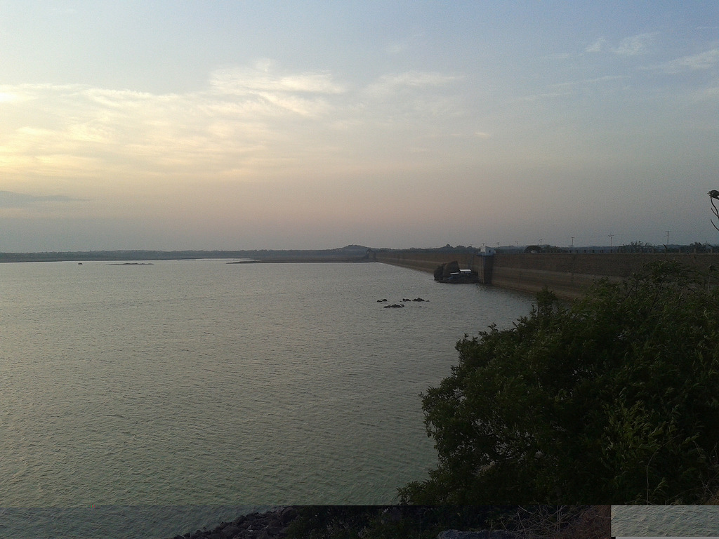 Himayat Sagar Lake - lake destinations in Hyderabad
