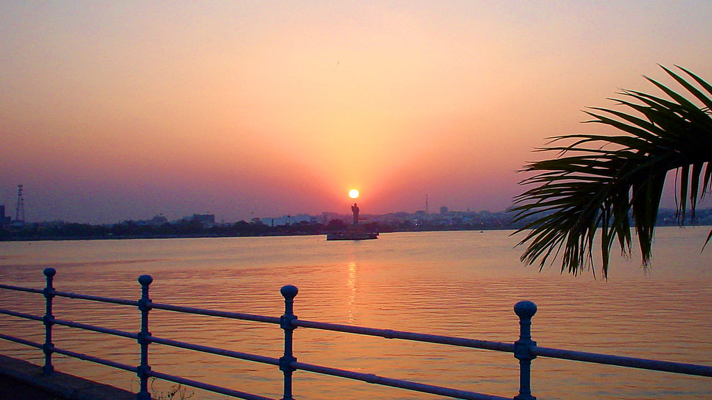 Hussain Sagar Lake with Lord Buddha Statue_Sunset Views in Hyderabad
