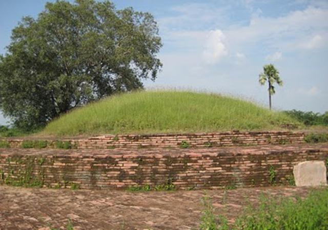 Dhulikatta Buddhist Centre and Arechealogical site near Karimnagar