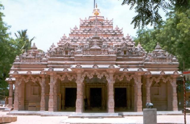 Kolanupaka Jain Temple near Aler