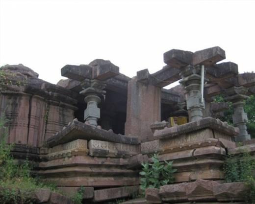 Ruins of Nagunur Fort - Karimnagar Tourism