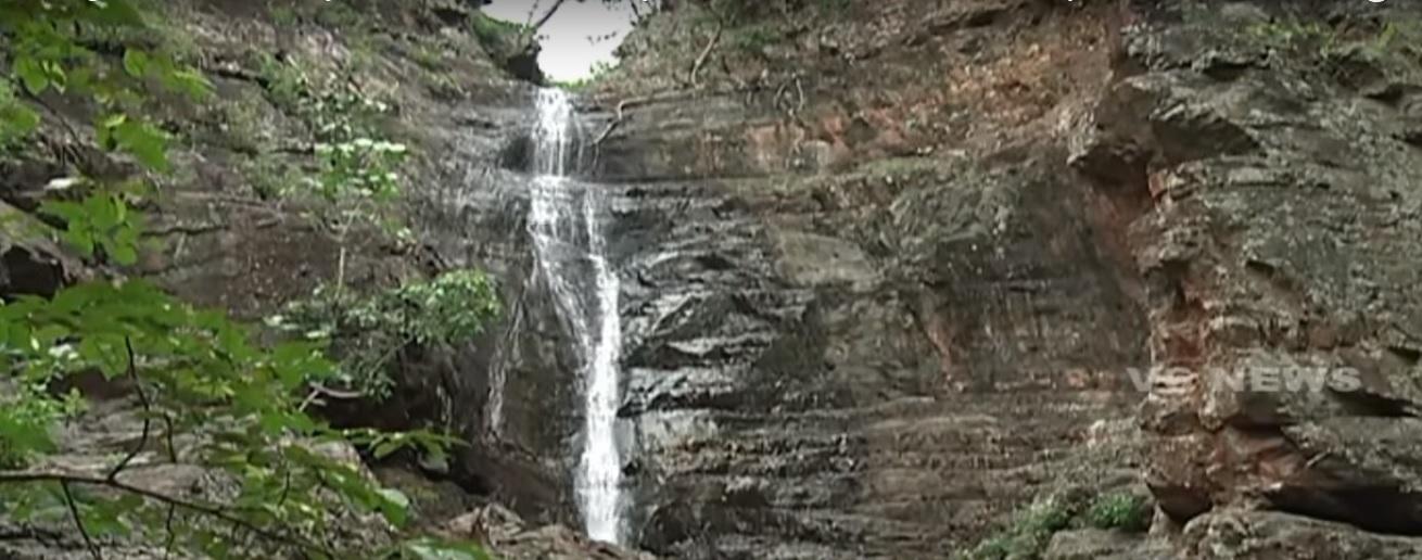 Pandavula Gutta Waterfalls_Things to do in Telangana