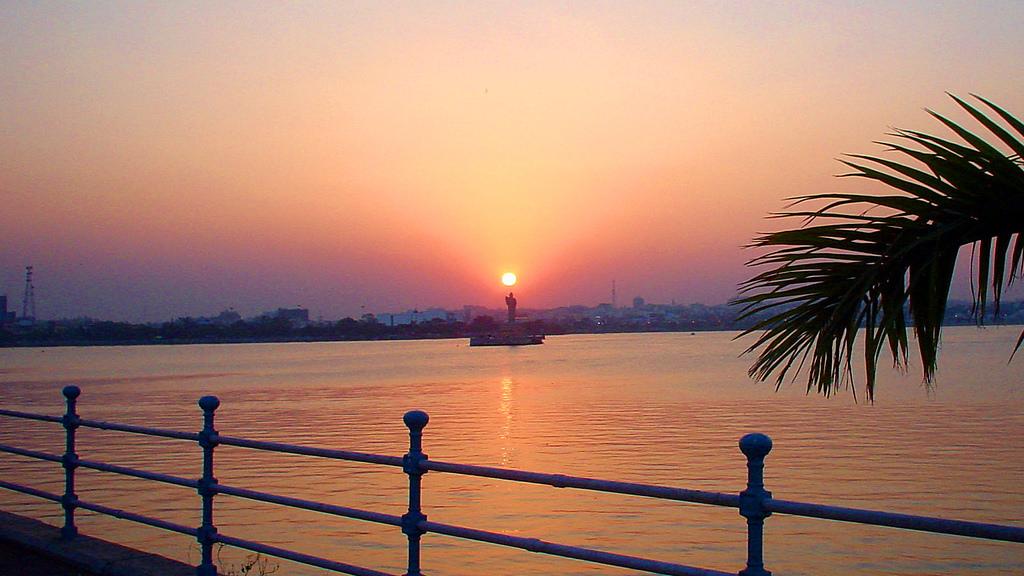 Hussain Sagar Lake with Lord Buddha Statue_Sunset Views in Hyderabad