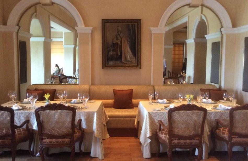 Adaa Taj Falaknuma Palace_Most Romantic Restaurants in Hyderabad