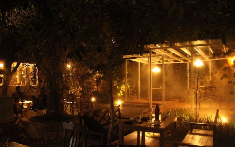 Autumn Leaf Cafe_romatic breakfast restaurants in Hyderabad