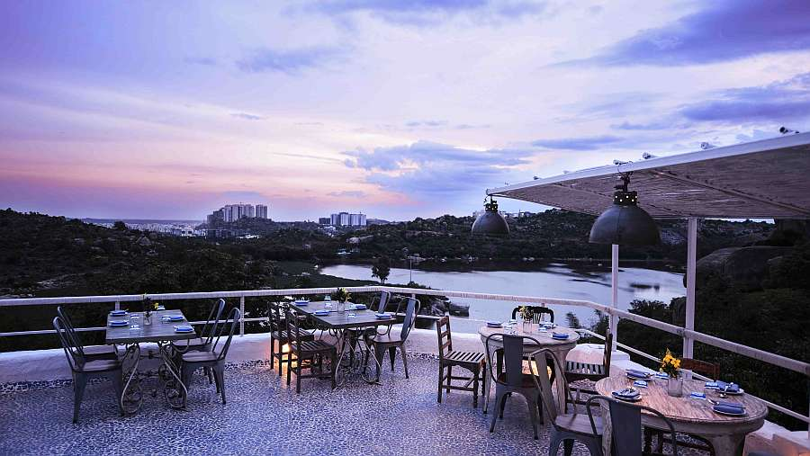 Olive Bistro_Best Romantic Restaurants in Hyderabad with lakeview